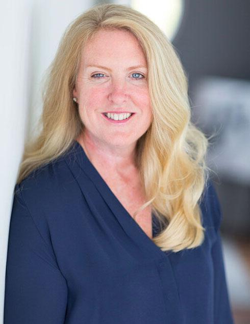 Ruth McElroy headshot photo
